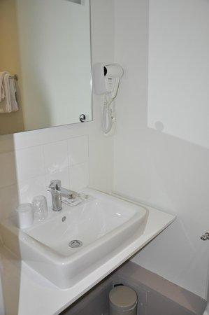 Hotel Ttiki Etchea : salle de bains