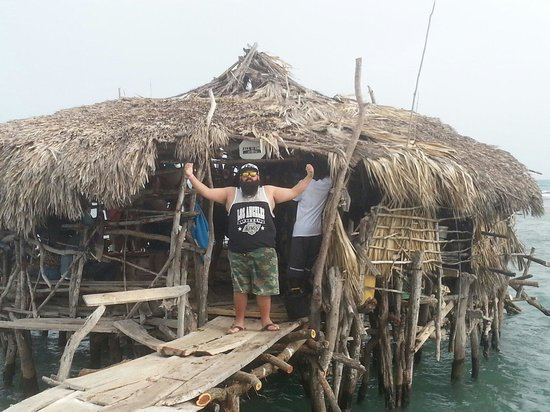 Floyd's Pelican Bar: Ive been to a bar in the middle of the dessert.The only way to go if u have quads/dirt bikes..bu