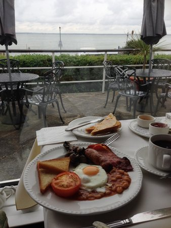 Best Western New Holmwood Hotel: Breakfast with a view