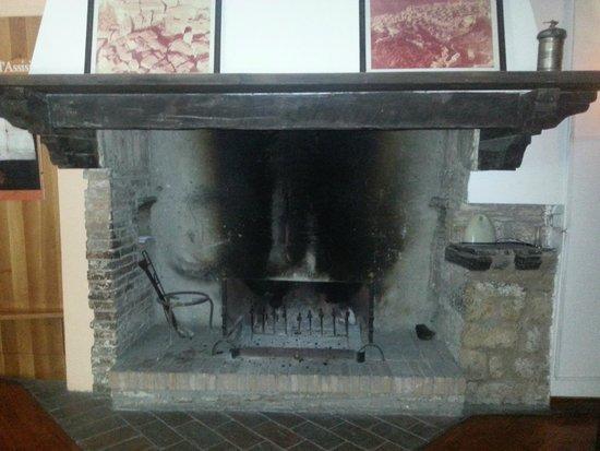 Dei Priori: camino storico