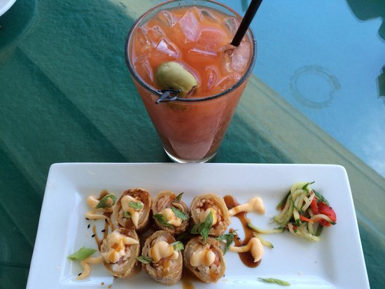 Tap & Grille : Bloody Mary and crab shrimp roll