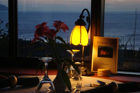 Ty'r Graig Castle Restaurant: Romantic dining with a view