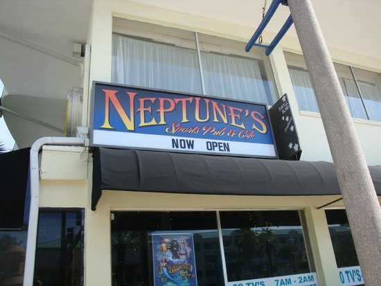 Tailgaters Sports Bar & Grill: Neptune's Sports Bar & Cafe (formerly Tailgater's)
