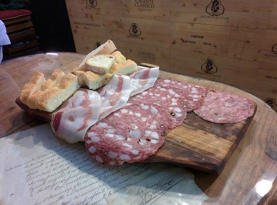 La Prosciutteria Firenze : Small meat platter - La Prosciutteria