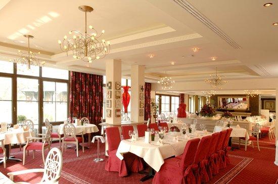 Land & Golf Hotel Stromberg: Rosengarten