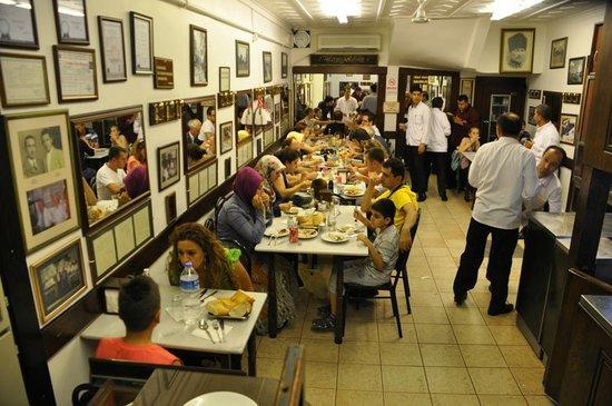 Sultanahmet Koftecisi: hep kalabalık