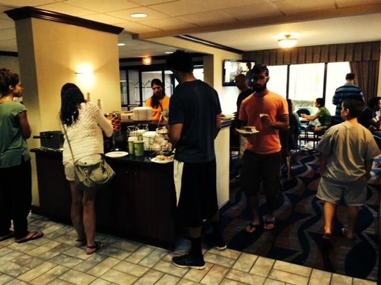 Meadowlands River Inn: The waffle station