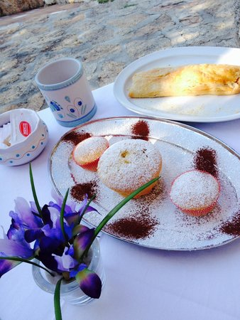 Lu Pastruccialeddu: Glorious breakfasts