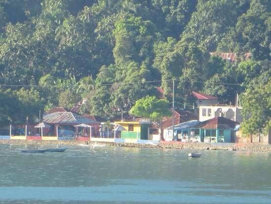Labadee: Small village outside RC area