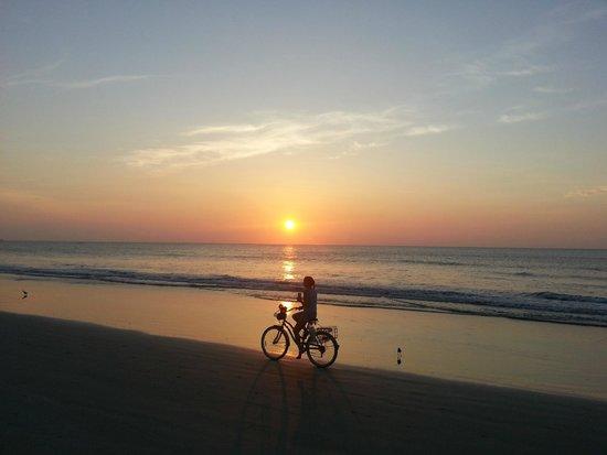 Four Points by Sheraton Cocoa Beach: Sunrise on Cocoa Beach
