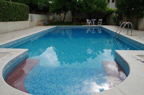 House Bakica: pool