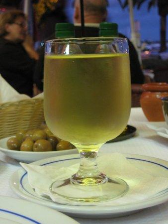 Casa De Pasto O Ze: Glas huis wijn