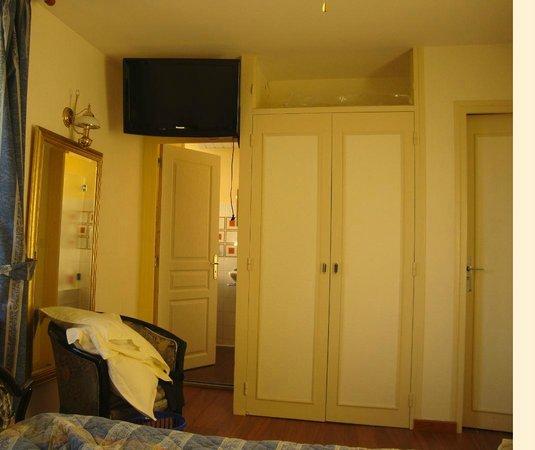 Hotel De La Mer : photo prise du lit