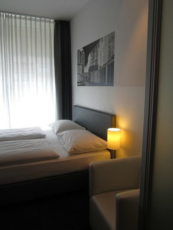 Novum Select Hotel Berlin Gendarmenmarkt: Good bed