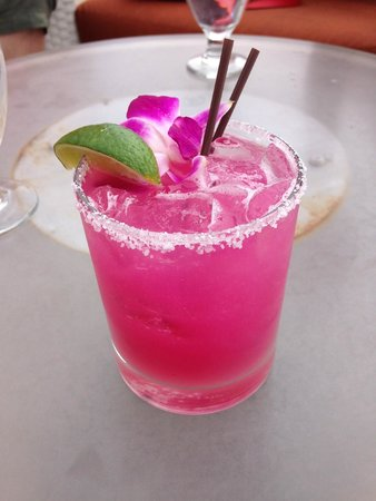 Hotel Parq Central: Prickly pear margarita - beautiful and delicious!