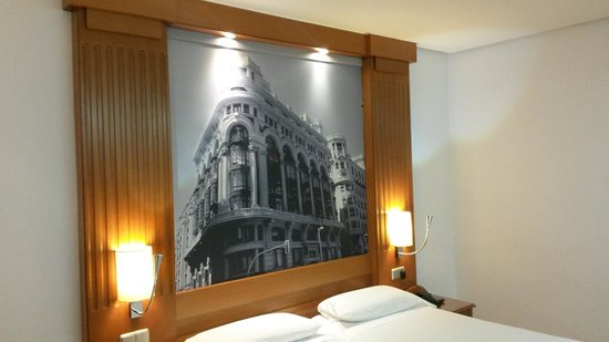 Gran Hotel Los Angeles: la cama doble