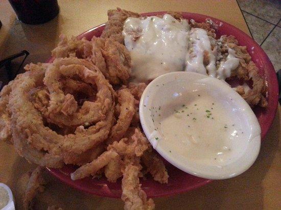George's Restaurant & Bar: Chicken Fried Steak