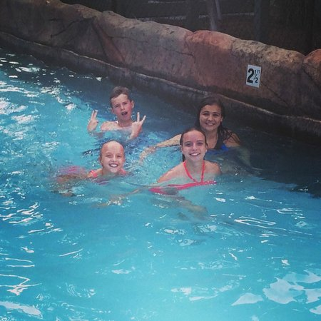 Wilderness at the Smokies Resort: Pool Area