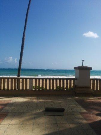 San Juan Marriott Resort & Stellaris Casino: yoga by the beach
