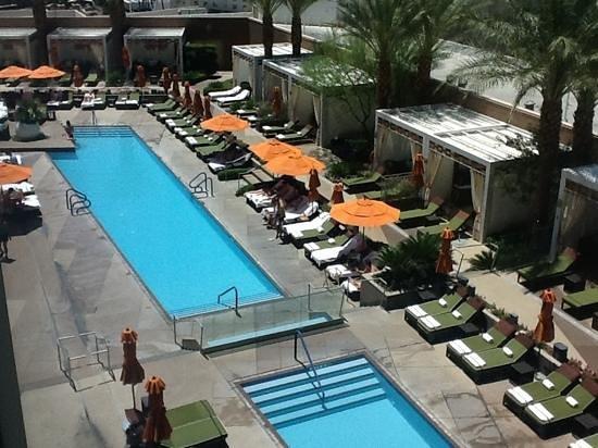 Mandarin Oriental, Las Vegas: pool view from bedroom