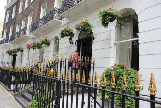 Studios2Let Serviced Apartments - Cartwright Gardens: Apartments