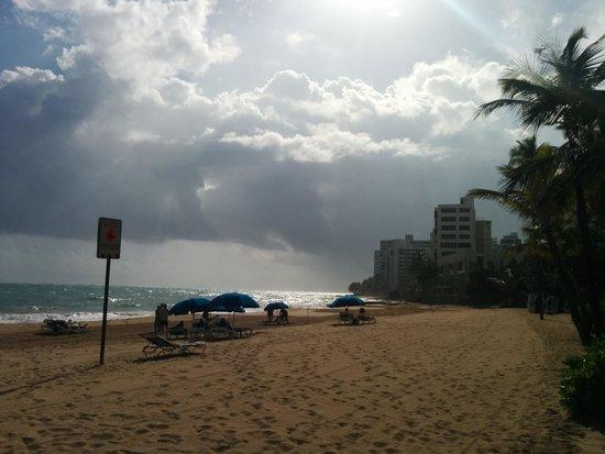 San Juan Marriott Resort & Stellaris Casino : view from the beach