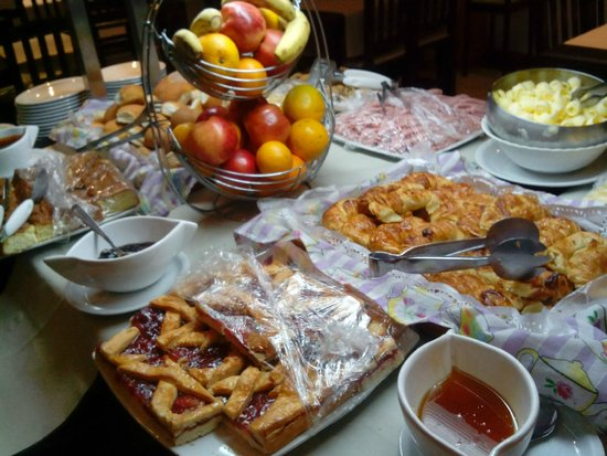 Grand Hotel Bariloche: desayuno