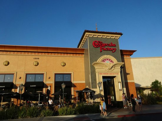 The Cheesecake Factory : Cheesecake factory Pleasanton