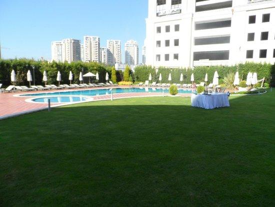 Istanbul Marriott Hotel Asia : Дворик