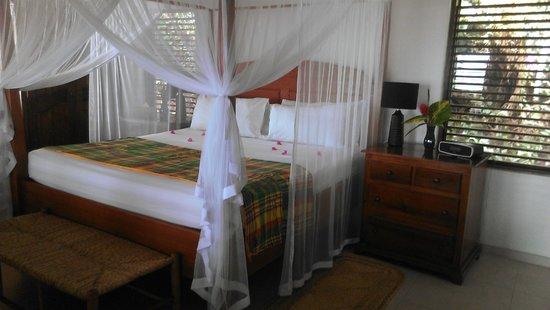 Stonefield Villa Resort : Flamoyant Villa Bedroom