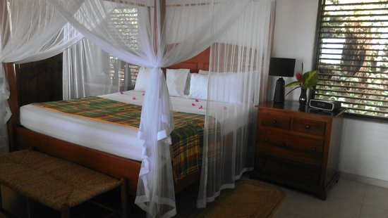 Stonefield Estate Resort : Flamoyant Villa Bedroom