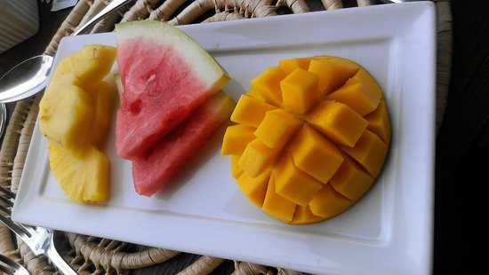 Stonefield Estate Resort : Fruit Plate Portion of the Breakfast (Breakfast is AMAZING)