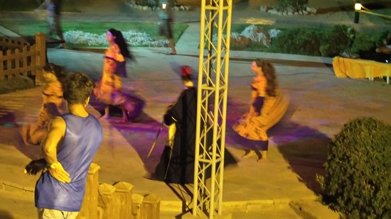 Cancun Sokhna Beach Resort Managed by Accorhotels: Oriental night show