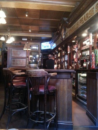 O'Neills Victorian Pub & Townhouse: Amazing pub, awesome atmosfere! Very very beautiful!