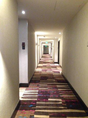 Renaissance Denver Downtown City Center Hotel: Hallway on the 8th floor