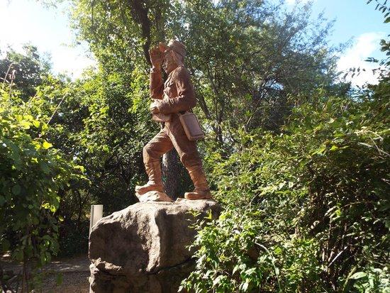 Mosi-oa-Tunya / Victoria Falls National Park : David Livingstone Statue, Victoria Falls, Zambia