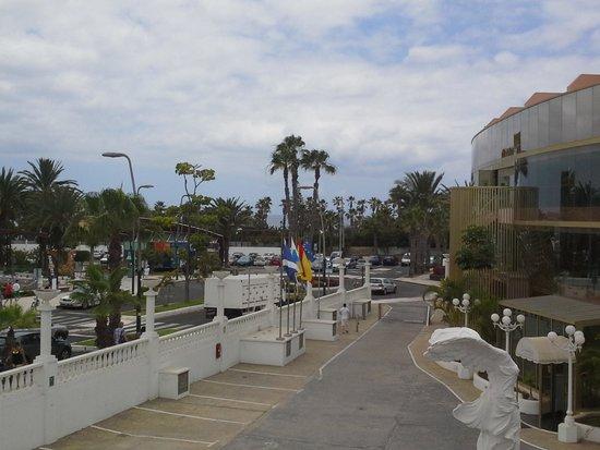 Mediterranean Palace Hotel: вид из балкона