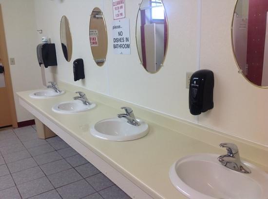 Sleepy Hollow Campground: bathroom