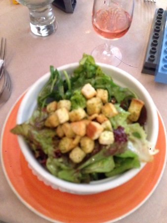 L'Entrecote Couronnee: Free salad ?