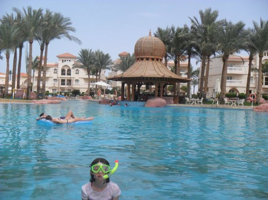 Tropicana Azure Club: brill time round the pool