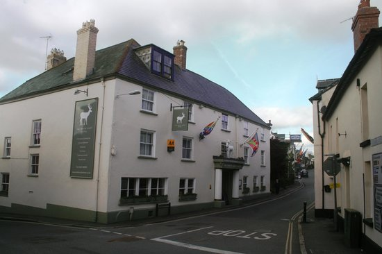 The White Hart Hotel : Old coaching inn