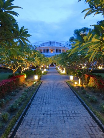 La Residence Hue Hotel & Spa: grounds