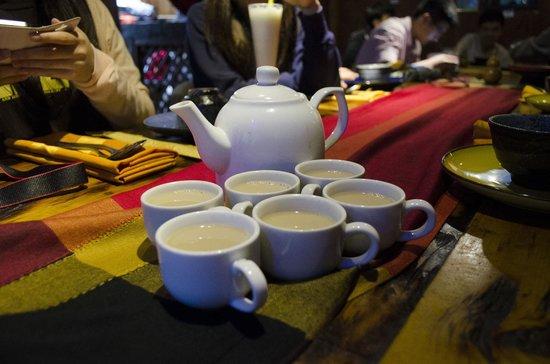 Tara's Gallery Cafe and Bar : Indian milk tea