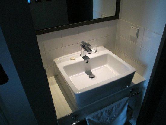 Hotel Shin Shin: Bathroom