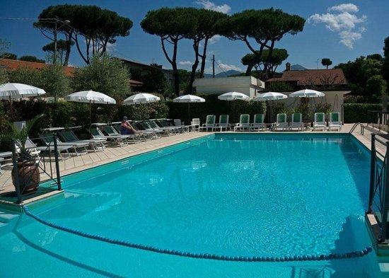 Hotel Suisse swimming pool
