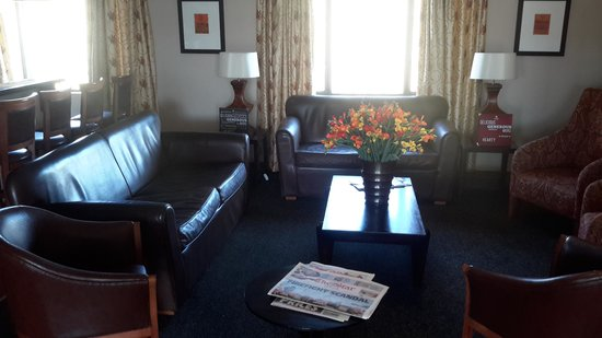 Protea Hotel by Marriott Harrismith Montrose: lounge