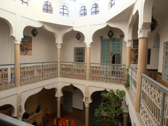 Riad Zinoun: 1. piso