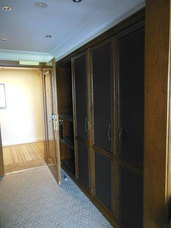 The Europe Hotel & Resort : Ingresso della stanza