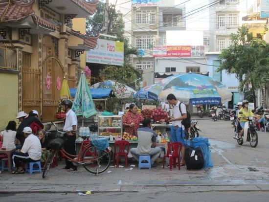 Mai Huy Hotel: Рядом с отелем