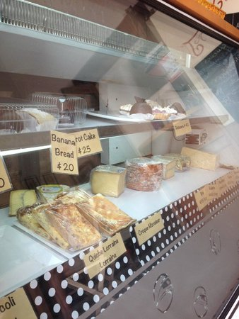 Cafe Creme: Delightful pastries and cheeses